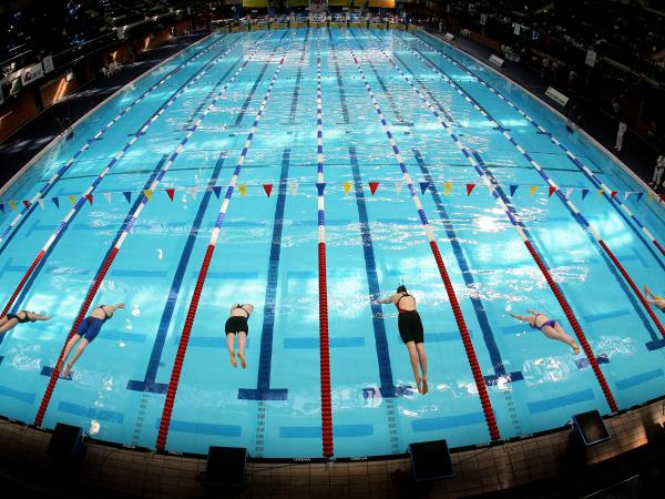 Swimming pool start line